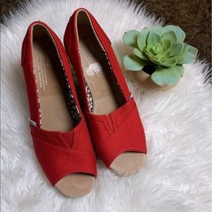 TOMS Tomato Red Espadrille Casual Wedges Sz 7.5